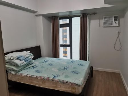 Fully Furnished 1 Bedroom Unit at Solstice Circuit Makati