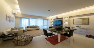 1 Bedroom Condo at Arya Residences Tower 1