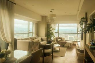 Luxurious 1BR Corner Unit for Rent at Shang Salcedo Place