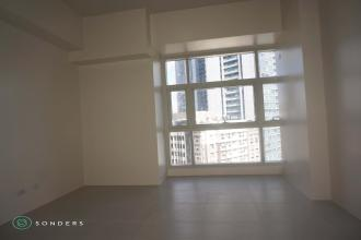 Unfurnished  Studio Unit for Rent at Twin Oaks Mandaluyong