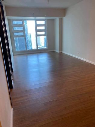 Brand New 1 Bedroom for Rent in Kroma Tower