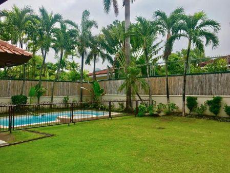 Fully Furnished 4 Bedroom House at Ayala Alabang