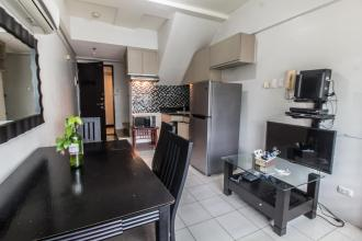 Fully Furnished 1 Bedroom Condo for Rent in Eton Emerald Lofts