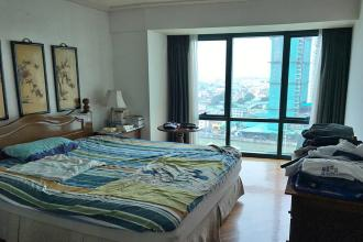 1 Bedroom Condo for Rent in Amorsolo Tower