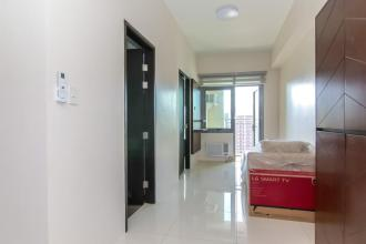 Fully Furnished 1 Bedroom Condo for Rent at Park West  BGC