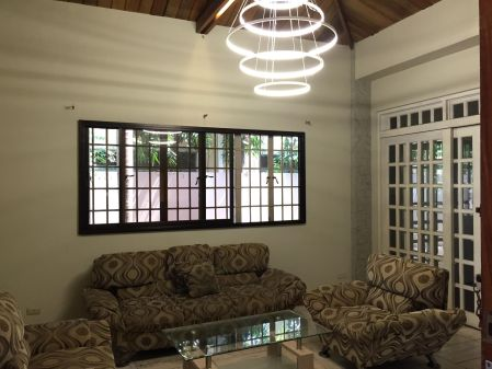 3 Bedroom Den Classic House for Rent in Ayala Alabang Muntinlupa