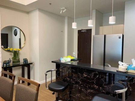 High End 2 Bedroom for Rent in Kroma Tower Makati