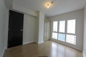 3 Bedrooms Sequoia Two Serendra Semi Furnish for Rent
