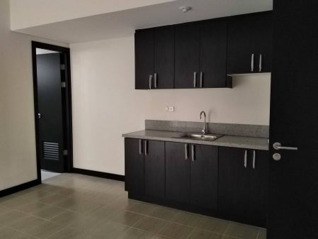 For Rent 1BR Unfurnished Unit in San Lorenzo Place
