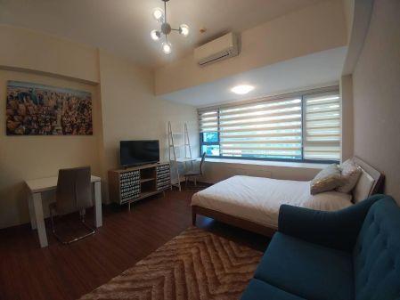 Studio for Rent in Shang Salcedo Place Makati
