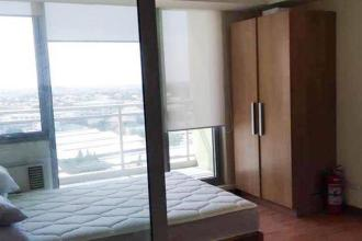 Condo 1 Bedroom Furnished at Azure Urban Residences