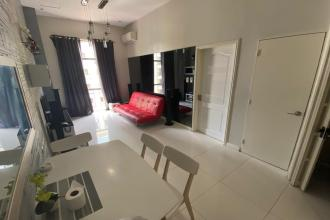 Fully Furnished 1BR Unit at Forbeswood Heights