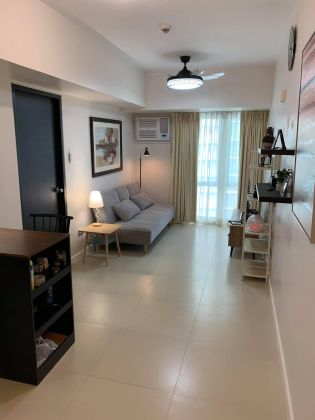 Fully Furnished 1 Bedroom in Solinea Cebu Across Ayala Mall