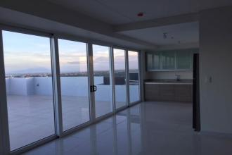 Sonria Pavilion Pristine 3 Bedroom Penthouse Condo for Rent