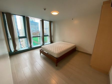 Brand New Big 1 Bedroom at One Uptown Residence
