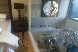 Comfortable 1 Bedroom Unit for Rent at One Rockwel Makati