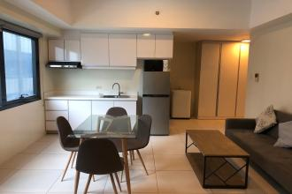 Studio Unit with Parking for Rent at Icon Plaza BGC Taguig