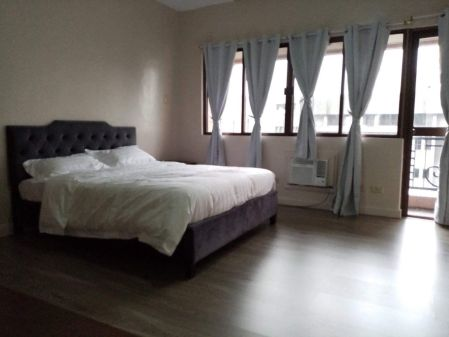Perfectly Maintained 2 Bedroom for Rent in Le Triomphe