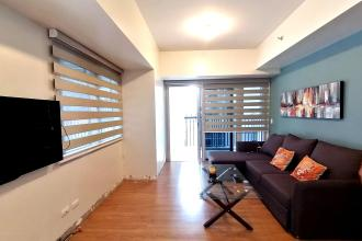 1BR Corner Unit  Fully Furnished with 2 Balcony at One Maridien B