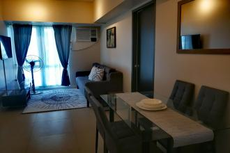 1BR Fully Furnished Unit in front of Rustans Ayala Center Cebu