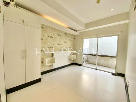 W Tower Residences 1 Bedroom Semi Furnished for Lease