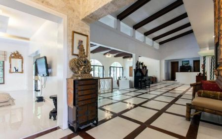 4BR Exquisite House for Rent in Alabang Muntinlupa