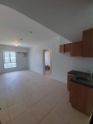 Semi Furnished 2BR Unit at Avida Towers 34th Street for Rent