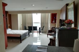 Spacious Studio at Club Ultima Cebu near Mango