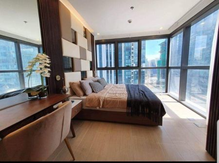 2 Bedrooms Uptown Ritz for Rent