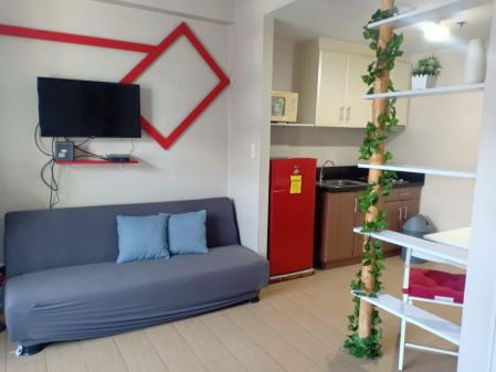 For Rent Fully furnished Studio unit in 150 Newport Boulevard