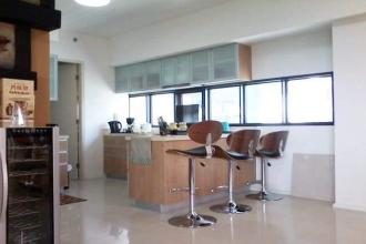 Fully Furnished 2 Bedroom in Arya Residences Taguig