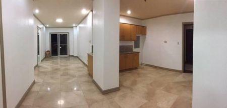 3 Bedroom Condo unit in Lahug Cebu City near JY Square