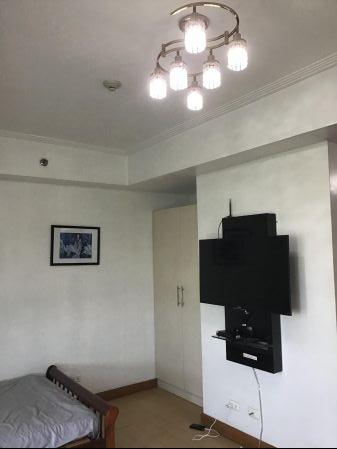 Vivant Flats Executive Studio Condo Unit for Rent Alabang