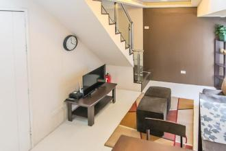 Fully Furnished 2 Bedrooms loft type Condo for Rent at Fort Victo