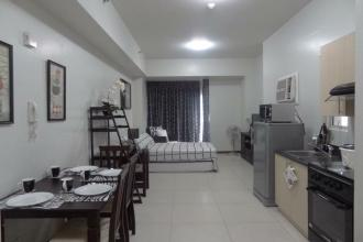 Fully Furnished Spacious Studio at The Columns Legaspi Village