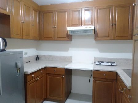 Furnished Studio Condo in West of Ayala near Makati Medical Cente