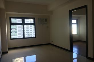 Semi Furnished 1 Bedroom Unit at Magnolia Residences