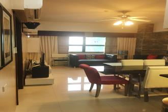Luxurious 2 Bedroom with City View across Ayala Mall