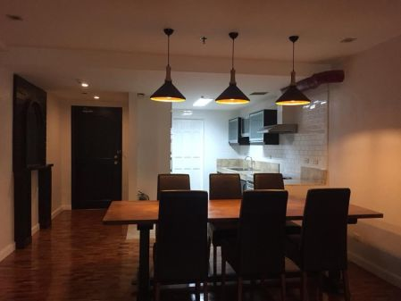 Spacious 2 Bedroom For Rent in Le Triomphe