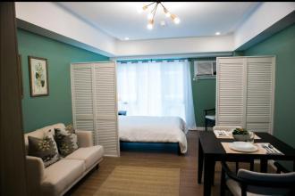 Studio Unit Hotel Style Interior at Two Maridien BGC