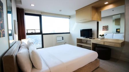 Spacious Studio Unit for Rent at Bsa Twin Towers Ortigas
