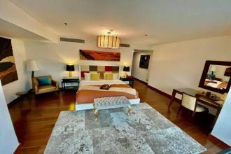 Two Roxas Triangle Makati 3 Bedroom Unit