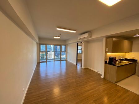 Semi Furnished 1BR for Rent in One Maridien bgc