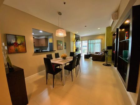3 Bedroom Unit in Two Serendra Red Oak