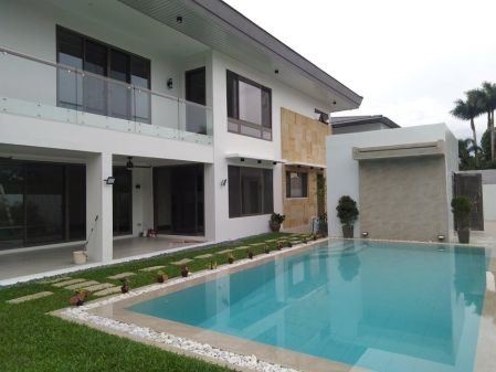Ayala Alabang Newly Built House 4 Bedroom for Rent in Alabang