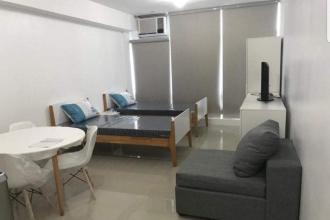 Studio Unit in Stratosphere Makati for Rent
