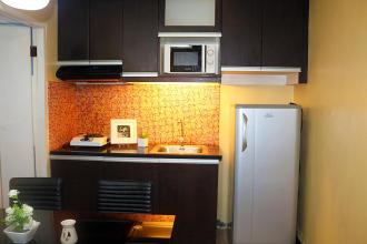 Affordable 2BR Loft Flat for Rent in Victoria De Manila
