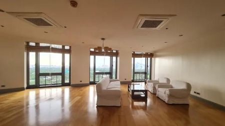 3BR Condo for Rent in Essensa East Forbes BGC Taguig