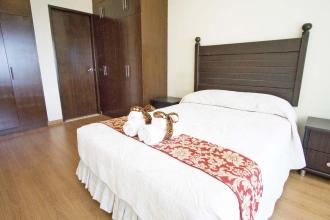 Big 1 Bedroom with Parking at St Francis Shangri La Place