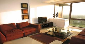 3 Bedroom Condo at Bellagio in Burgos Circle